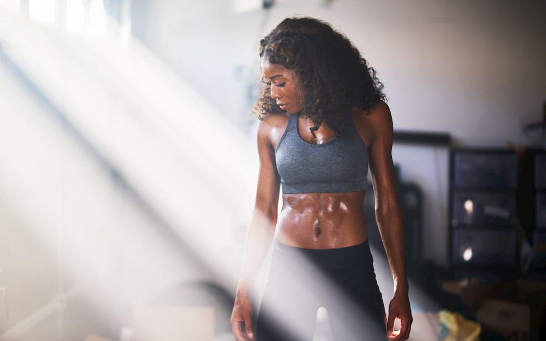 Abdos Femme : la vérité sur le 6 pack féminin