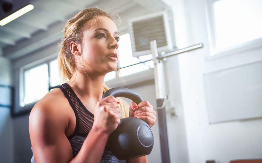15 exercices de CrossFit femme à faire à la maison